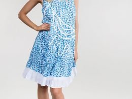 Simple summer dress for travelling, holidays or cruises