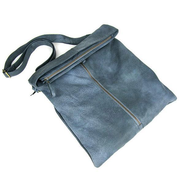 Blue leather handbag, casual style tips