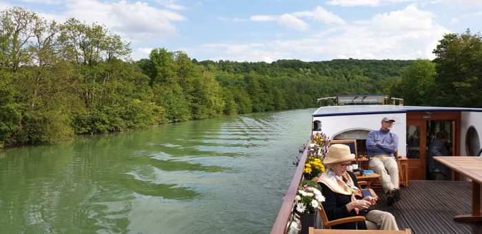 Barge Holiday France on Le Panahce