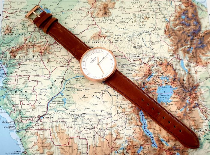 Minimalist watch in brown leather